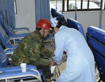 民工意外受伤  医院免费送餐