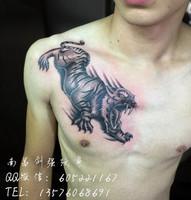 南昌纹身店、胸口老虎纹身、