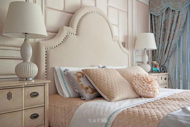 主卧室床头背景墙造型